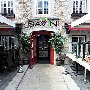 dallage pierre naturelle Restaurant Savini Québec