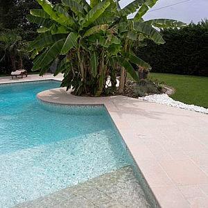Dallage piscine pierre naturelle